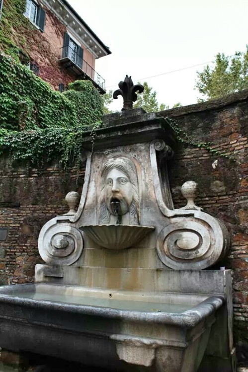The Fontana del Mascherone (Fountain of the Mask) was commissioned by the Farnese family around 1625. During their lavish parties the fountain would flow with wine instead of water.