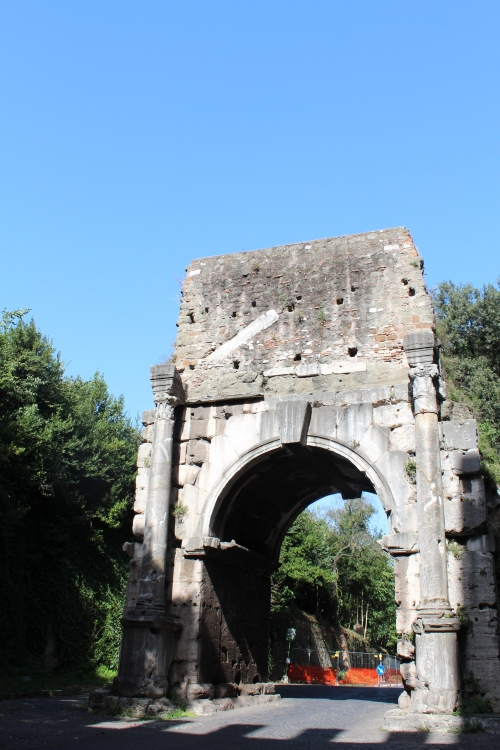 The Arch of Drusus, just within the Aurelian Walls. No-one seems to know much about it...