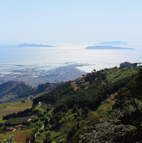 Here you can see the sickle shaped promontory that gives Trapani it's name. This view is taken from Erice, in the distance the Egadi islands can be seen, where the Marsala warship fought and sank.