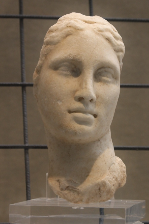 Marble goddess, probably Aphrodite, Roman copy of an Hellenistic original