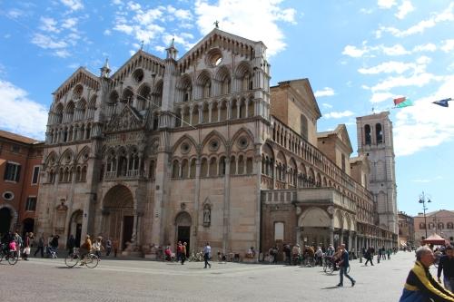ferrara cathedral (1).JPG